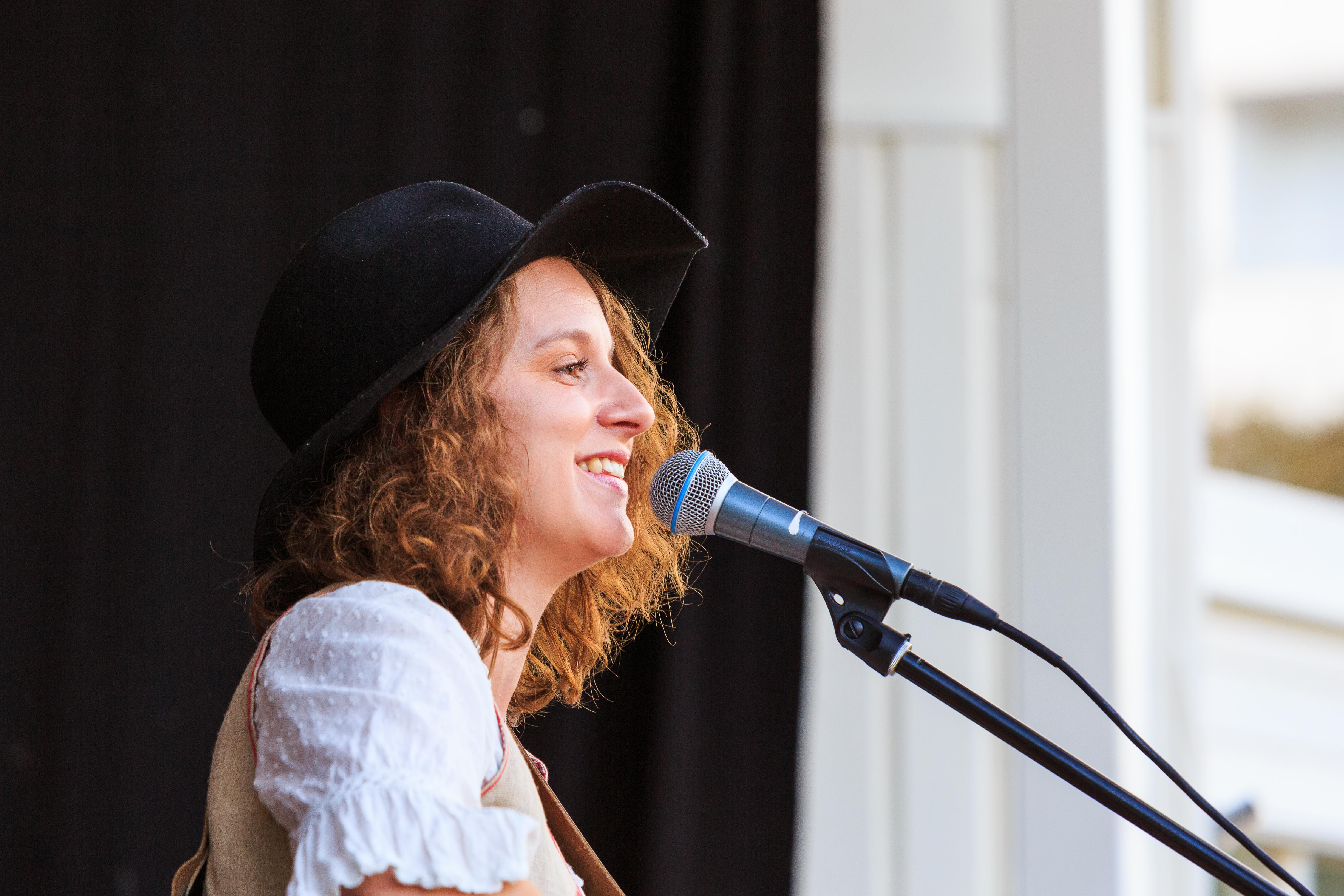 Heidi Baier.